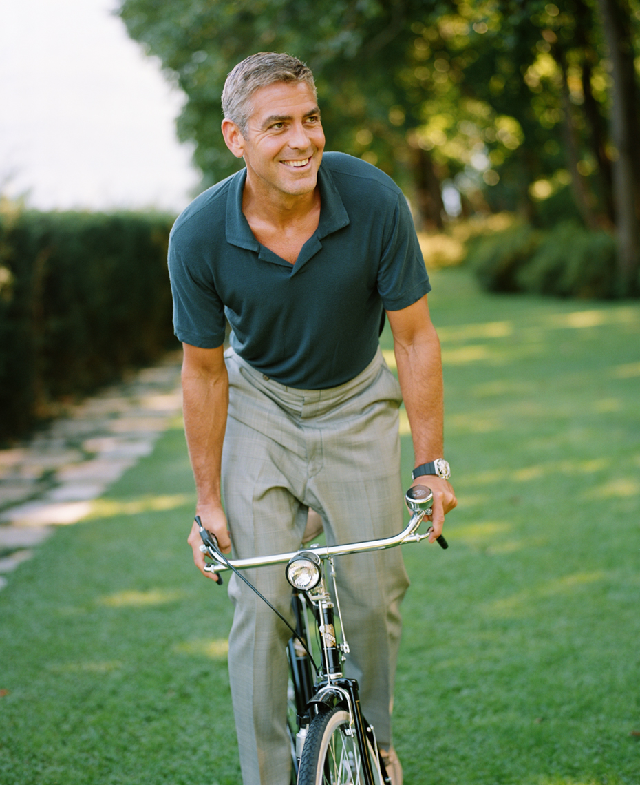 wGeorge_Clooney_Bicycle_Omega74988_8
