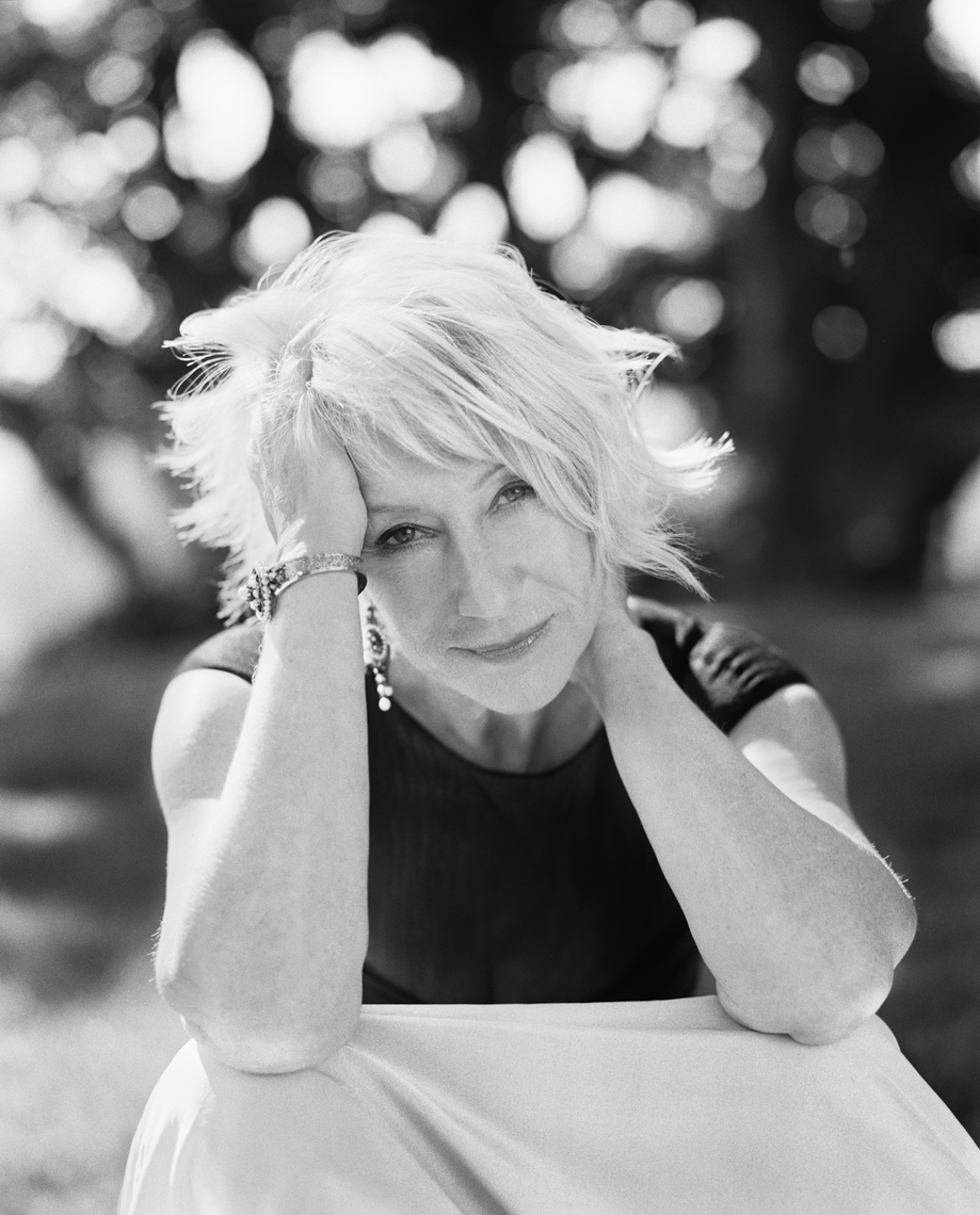 wHelen_Mirren_Portrait_HandsinHair_BW