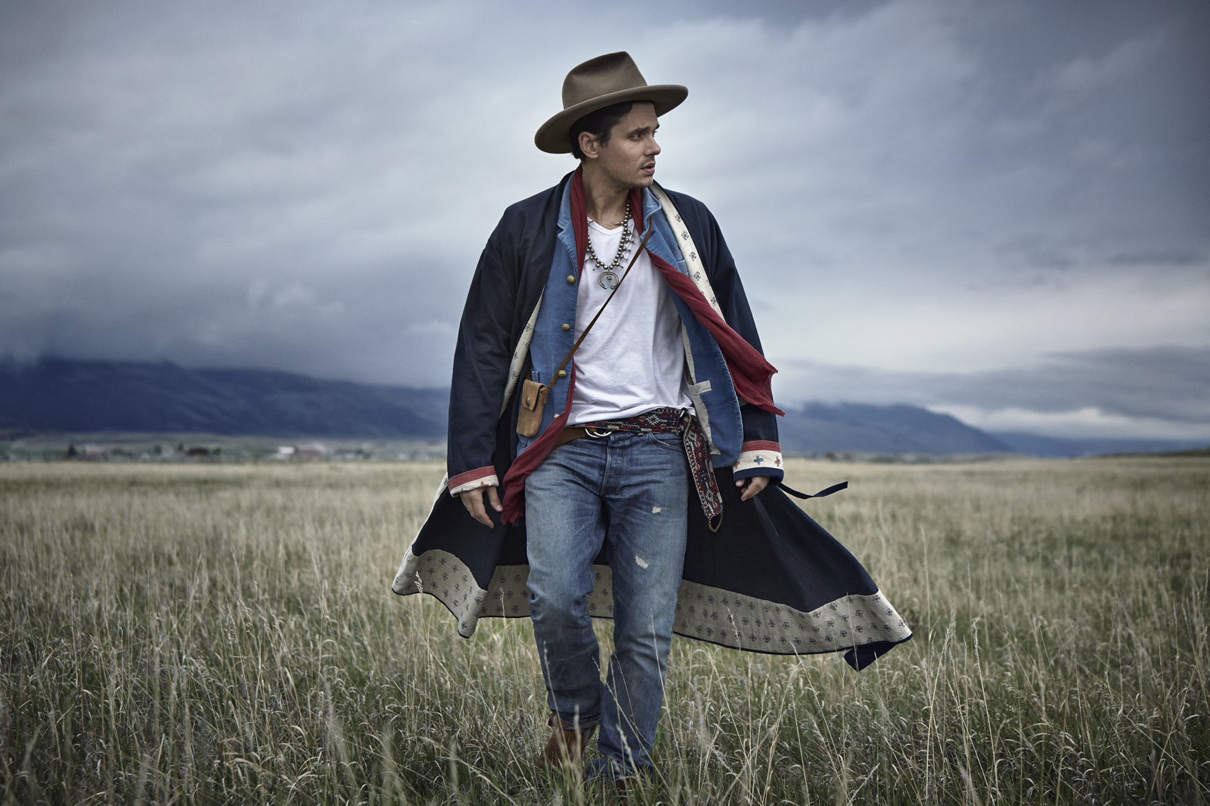 wJohn_Mayer_Walking_Field_052313_1237_1b