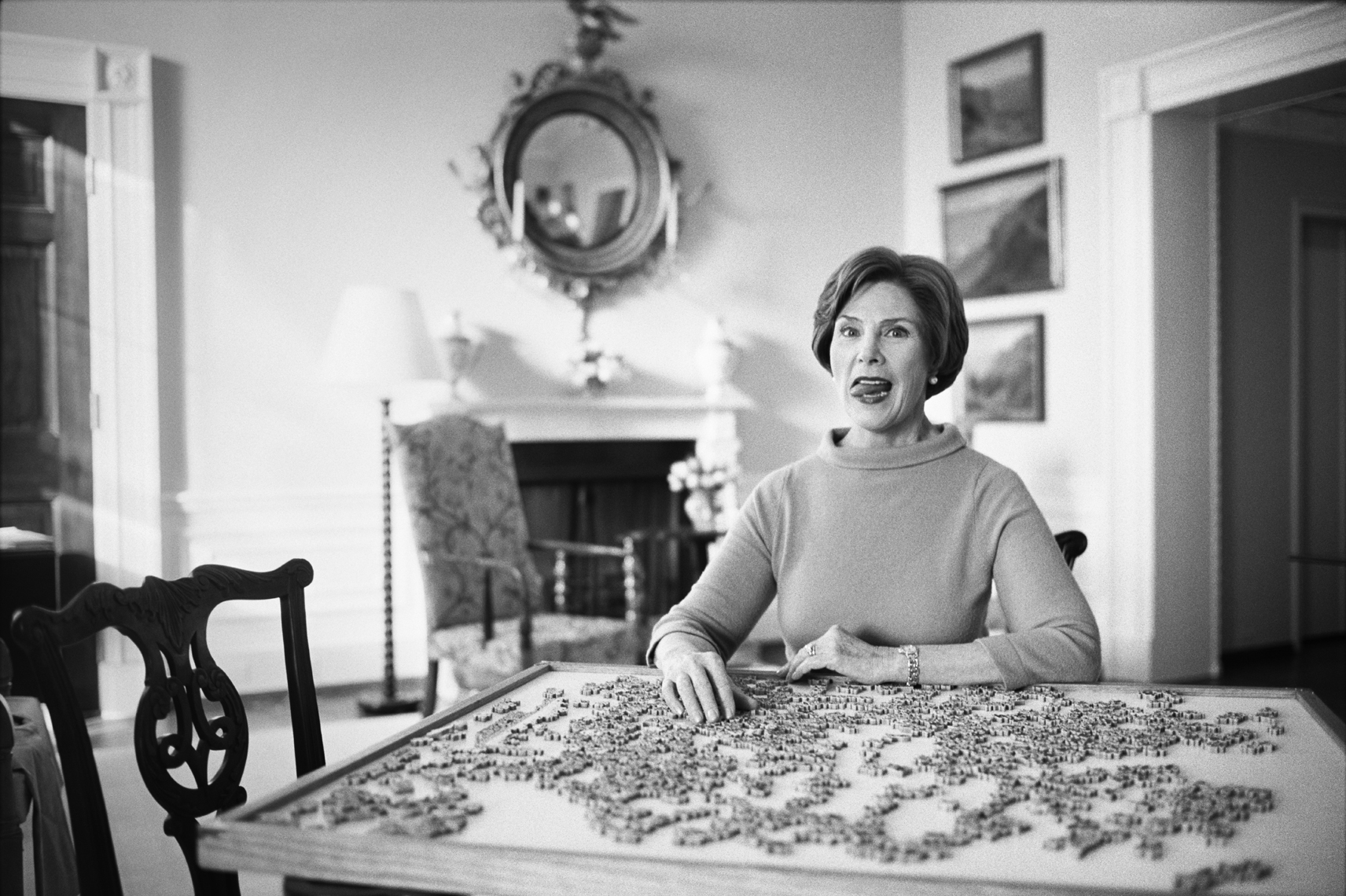 wLaura_Bush_Puzzle_Tongue_BW