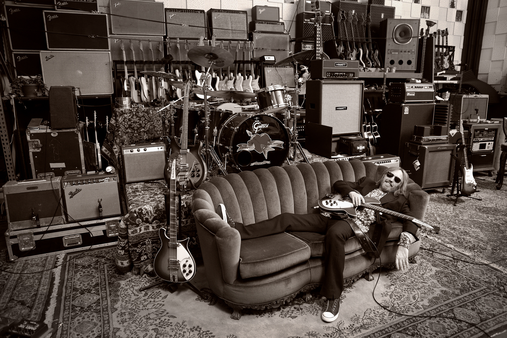 wTom_Petty_Sitting_Couch_101909_234